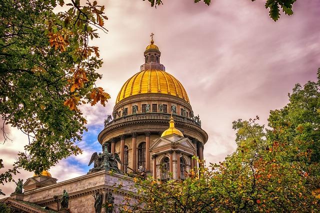В каком городе лучше жить в Украине или России